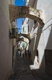 Allée. Vieste. La Puglia. l'Italie. Photos stock