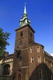 All-Heiligen-durch-d-Kontrollturm in London oben betrachten Lizenzfreie Stockfotos