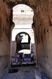 All'interno del Colosseo romano fotografia stock libera da diritti