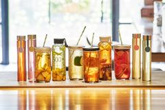 All kinds of drinks on the table. 。good Stock Images