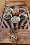 all liggande tea för jordningssorter arkivfoto