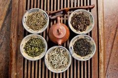 all liggande tea för jordningssorter fotografering för bildbyråer
