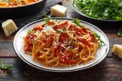 Alla Amatriciana dos espaguetes com bacon do pancetta, tomates e queijo do pecorino fotografia de stock royalty free