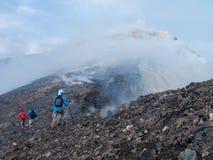 Alla cima del vulcano di Etna fotografie stock libere da diritti