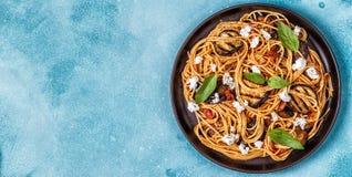 Alla Norma - alimento italiano tradizionale della pasta immagine stock
