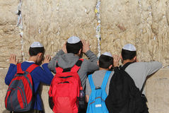 Alla parete lamentantesi a Gerusalemme Fotografie Stock Libere da Diritti
