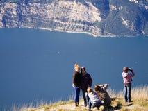 Alla sommità di Mont Baldo sulla polizia Italia del lago Fotografia Stock