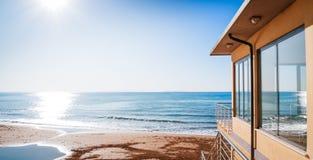 Alla spiaggia Immagine Stock