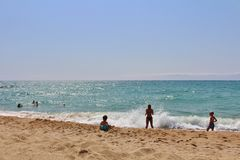 Alla spiaggia nel ` Estrac di Caldes d, la Spagna Fotografie Stock Libere da Diritti