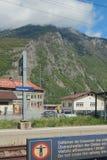 Alla stazione ferroviaria Vernayaz, Martigny, Svizzera; 08-05-2017 Immagine Stock Libera da Diritti