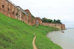 Allahabad fortanseende på flodbanken Indien Royaltyfri Foto