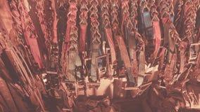 Alldeles av polyestersadelgjordsväven som piskar och att piska bälten, remmar och spärrhjular som stuvas, i att piska behållaren  arkivfoto