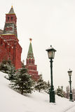 Allée Alexander Garden près des murs de Moscou Kremlin, Rus Images libres de droits