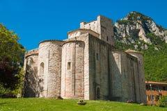 Alle Chiuse Sans Vittore ist eine römisch-katholische Abtei Stockbild
