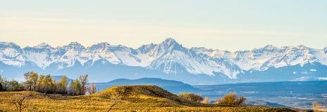 Alle colline pedemontana dei Colorado Rockies immagine stock