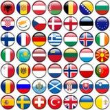 Alle Europäer-Flaggen - glatte Knöpfe des Kreises Jeder Knopf wird auf weißem Hintergrund lokalisiert Lizenzfreie Stockfotos