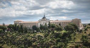 Alle für das Vaterland, spanische Infanterie-Hochschularchitektursonderkommando in Toledo, Spanien stockfotos