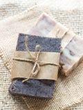 Alle natürlichen handgemachten Schokoladen- und Baobabseifen Stockbilder