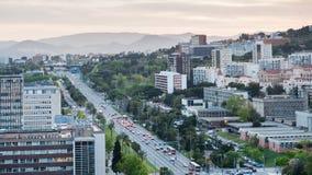 Allee Avinguda-Diagonale in Barcelona in der Dämmerung Lizenzfreie Stockbilder