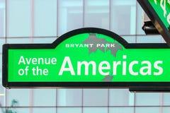 Allee des Amerikas, 6. Allee, Straßenschild Stockfotos