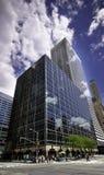 Allee des Amerikas und 42. der Straßen-Höhe steigt Stockfotografie