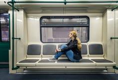 Alleen in de metro stock foto's