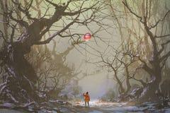Alleen in donker bos royalty-vrije illustratie