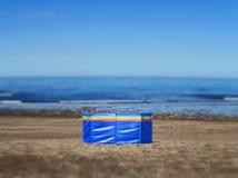 Alleen op het strand Royalty-vrije Stock Foto's