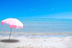 Alleen op strand Stock Afbeelding