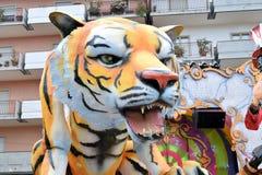 Allegorisches Floss, das einen Tiger darstellt Stockfoto