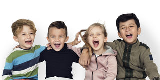 Allegro sveglio di felicità degli amici dello Schooler immagini stock libere da diritti