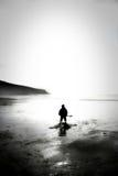 Alleine auf Strand Lizenzfreies Stockbild