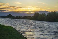 Alleines Boot auf dem Aire- und Calder-Kanal stockbild