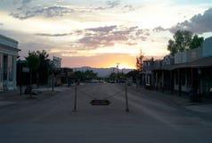 Allen Street in der Finanzanzeige bei Sonnenuntergang lizenzfreie stockfotos