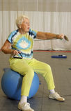 Allenamento aerobico maggiore Immagine Stock