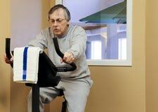 Allenamento della bici di esercizio Immagini Stock