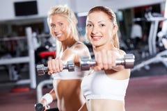 Allenamento delle donne di forma fisica Immagini Stock Libere da Diritti