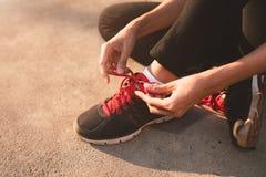 Allenamento di forma fisica e concetto sano di nutrizione Immagine Stock