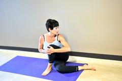 Allenamento di yoga Immagine Stock