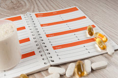 Allenamento e diario di addestramento di forma fisica per registrare i risultati fotografie stock