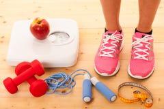 Allenamento e equipement sano di forma fisica di stile di vita Immagini Stock