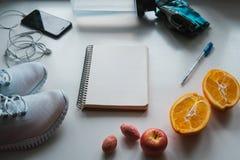 Allenamento e forma fisica, concetto di progettazione di dieta di controllo Immagine Stock