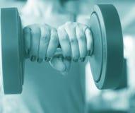Allenamento femminile di forma fisica Immagine Stock