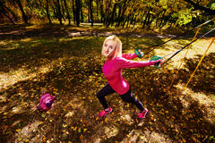 Allenamento nel parco di autunno Fotografie Stock