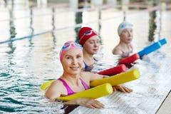 Allenamento in piscina Immagini Stock Libere da Diritti