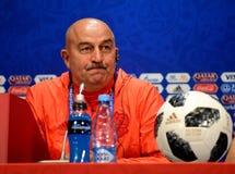 Allenatore nazionale russo Stanislav Cherchesov della squadra di football americano Immagine Stock Libera da Diritti