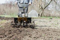 Allenta il primo piano del coltivatore del suolo Fotografie Stock Libere da Diritti