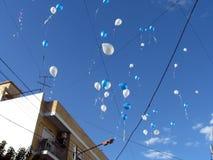 Allenti dei palloni all'arte per l'evento di pace tenuto al centro Buenos Aires Argentina di yoga di Anka Raa fotografia stock