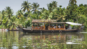 ALLEPPEY, KERALA, INDIA - AUGUST 16, 2016: Unidentified indian p Royalty Free Stock Images