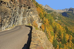 Aller-à-le-Sun-route, parc national de glacier Photographie stock